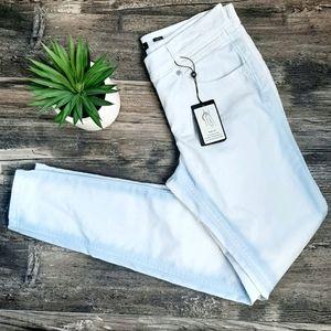NWT Olsen Europe unique skinny white jeans - Dana